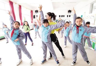 学习舞蹈丰富校园生活