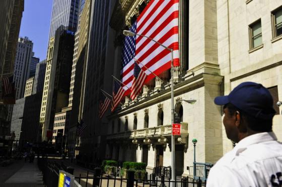 美国10年期国债收益率跌破0.9% 再创历史新低