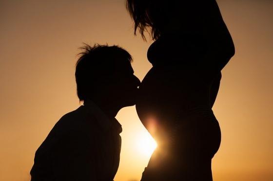 怀孕期能不能同房呢?需要注意哪些事项?