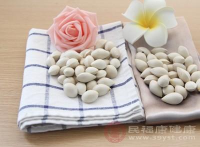 白果的功效与作用 吃它具有抗衰老的作用